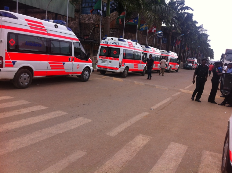 He said both agencies came to the scene without an ambulance, adding that the SCOAN provided 11 ambulances while the Nigerian Red Cross Society and Life Savers provided one each.